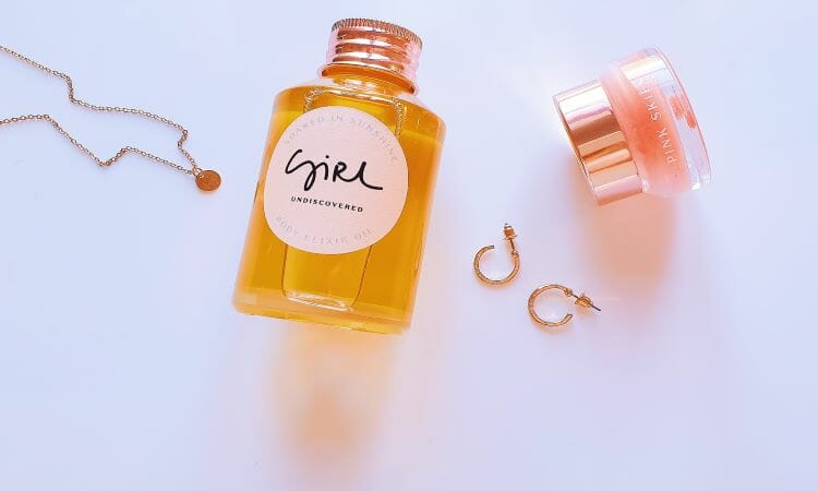 Reviewing Girl Undiscovered's Soaked in Sunshine Body Elixir Oil and Pink Skies Balm