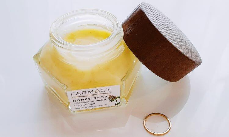Reviewing Farmacy's Honey Drop Lightweight Moisturiser