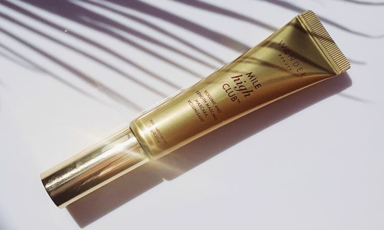 Reviewing Wander Beauty's Mile High Club Mascara, Extended Stay Mask and Smooth Sailing Primer