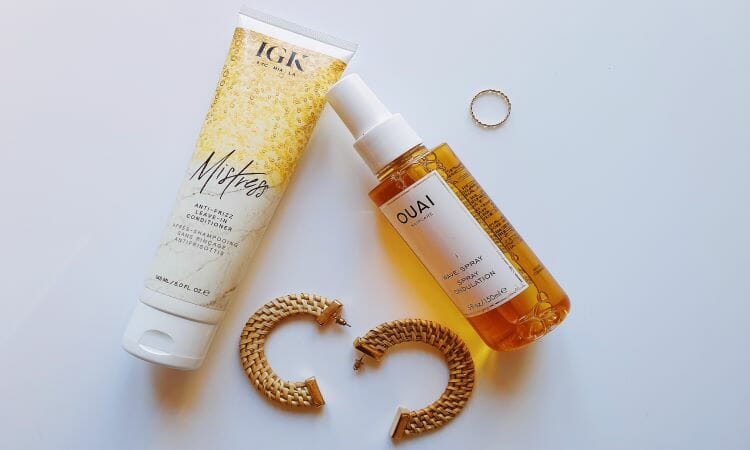 Reviewing IGK Mistress and Ouai Wave Spray for frizz